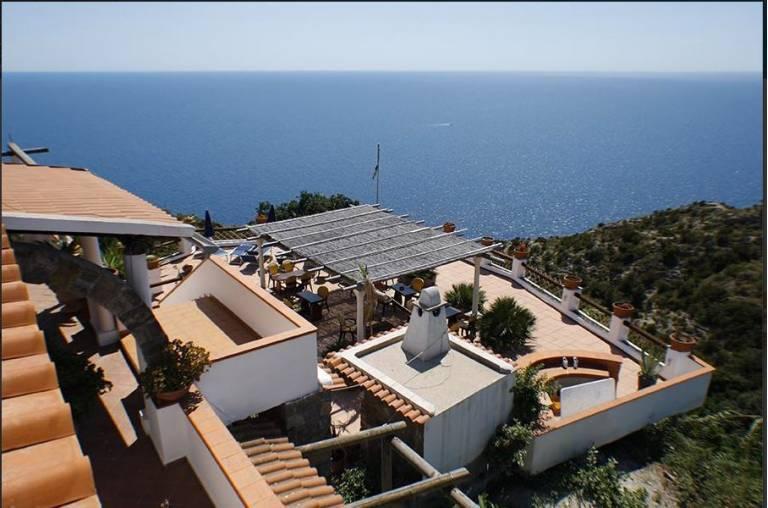 VENDESI Hotel - Ristorante a picco sul mare