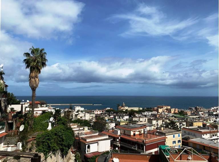 Appartamento panoramico in parco a Casamicciola